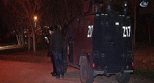 İstanbul'da otomobilde patlama: 4 yaralı