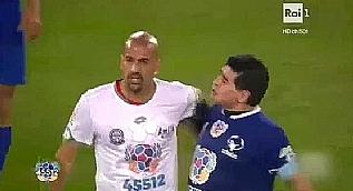 Maradona durulmuyor! Yine kavga etti