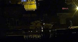 Irak s�n�r�na tank ve z�rhl� ara� sevkiyat� yap�ld�