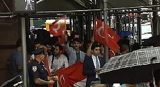 Cumhurba�kan� Erdo�an'a ABD'de co�kulu kar��lama