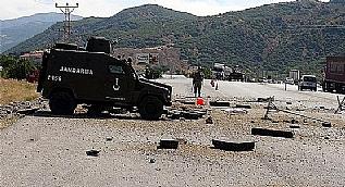 Erzincan karayolunda ter�ristlerce yerle�tirilen patlay�c� infilak etti