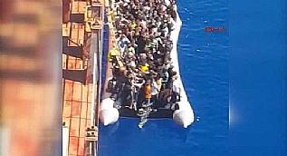 �l�me terk edilen 132 g��menin T�rk gemisi taraf�ndan kurtar�ld��� o anlar
