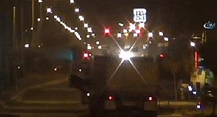 Belediye binas�n�n yan�na terk edilen kamyondan 4 ton bomba ��kt�