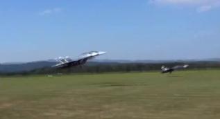 Uzaktan kumandalı savaş uçağı!