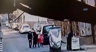 Hamile kadını önce taciz etti sonra silah çekip, tekme attı
