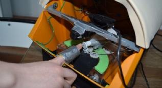 Engelliler için tırnak kesme makinesi yaptılar