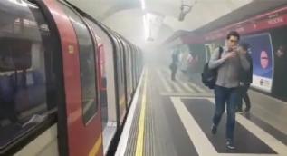 Londra'da metro istasyonunda yangın çıktı