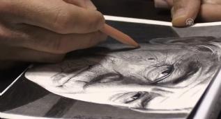 Ressam Dartar, resminin Külliye´de sergilenmesinin sevincini yaşıyor