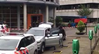 Hollanda'da rehine krizi! Polis operasyon için hazırlık yapıyor