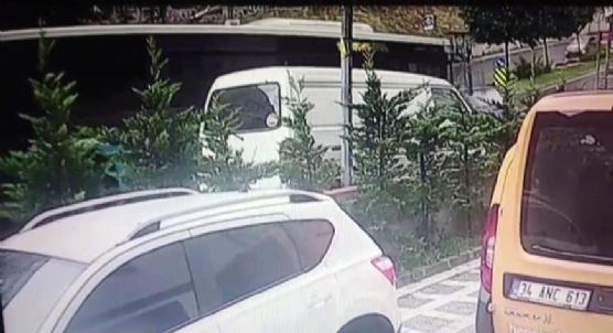 Ümraniye´de yolcu otobüsü minibüse çarptı