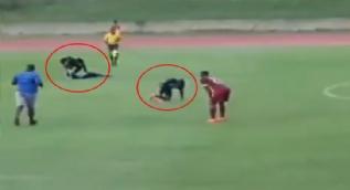 Jamaika´daki bir futbol maçı sırasında oyunculara yıldırım çarptı