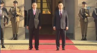 Cumhurbaşkanı Erdoğan'ın Polonya'da karşılandığı törende askeri bando 'Ey büt-i nev eda' isimli eseri çaldı