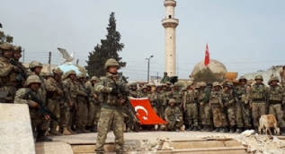 Mehmetçik Afrin´de hilal oluşturdu, komando andını seslendirdi