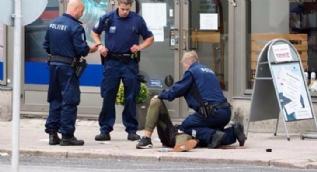 Finlandiya'da bıçaklı saldırı! Ölü ve yaralılar var