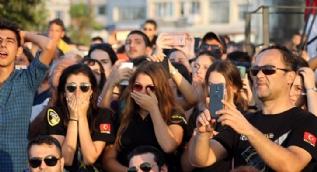 Solo Türk Yalovalıları ağlattı