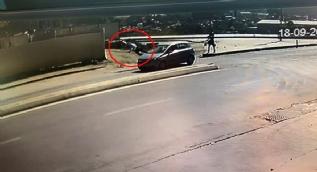 Kağıthane'de yayanın aracın çarpmasıyla metrelerce havaya uçtuğu kaza kamerada