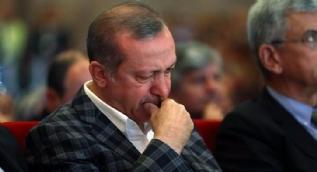 Cumhurbaşkanı Erdoğan, AK Parti Kadın Kolları tanıtım filmini izlediği esnada duygulandı