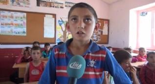Öğrencileri, PKK tarafından kaçırıldığı iddia edilen Necmettin öğretmeni bekliyor