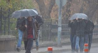 İstanbul'da şiddetli yağış ve fırtına uyarısı