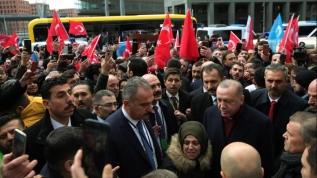 Başkan Erdoğan'a gurbetçilerden coşkulu karşılama