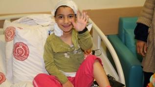 İki yıldır çektiği şiddetli baş ağrısından 6 saatlik operasyonla kurtuldu