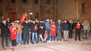 Vatandaşlar Mehmetçiğe destek için toplandı