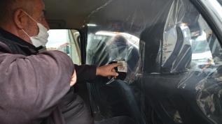 Taksi şoföründen Kovid-19'a brandalı tedbir