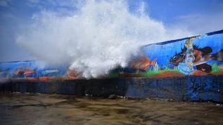 Fırtına nedeniyle dalgaların boyu 5 metreyi aştı
