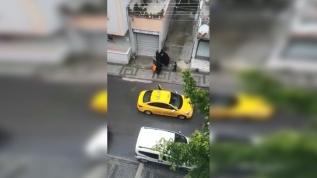 Taksiden indirilen kadın sokakta doğum yaptı, şoför gözaltına alındı