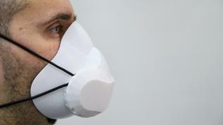 Bu maske kendini temizliyor!