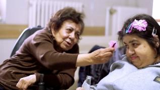 İki Perihan'ın 45 yıldır aynı odada birbirlerine 'aile oldu'