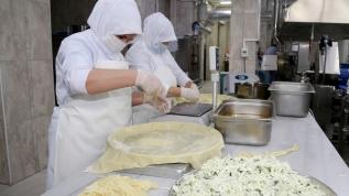 Devlet desteğiyle iş kurdular... Ellerinin hamuruyla Türkiye'nin dört bir yanına lezzet satıyorlar