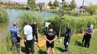 Serinlemek için süs havuzuna giren çocuk öldü