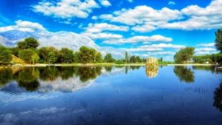 Nilüferleriyle ünlü bir doğa harikası! Görenleri hayran bırakıyor