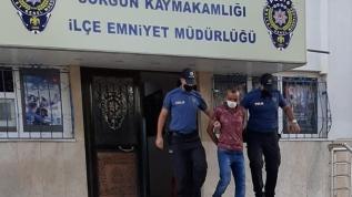 Eski eşini öldürmek için cezaevinden firar eden adam otogarda kıskıvrak yakalandı