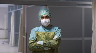 Doktorlar koronavirüsle mücadelelerini anlatıyor: Burun kasları bile nefes almak için çaba gösteriyor