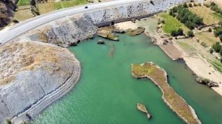 Çat Barajı'nın görsel şölen oluşturan 'yüzen adaları' turizme kazandırılacak