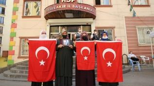 Diyarbakır anneleri evlatlarına seslendi: Teslim ol