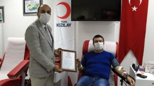 Koronavirüsü atlatan doktor immün plazma bağışıyla hastalara umut oldu