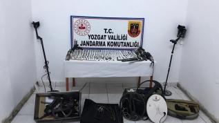 Jandarma ekiplerince düzenlenen operasyonda 545 parça tarihi eser ele geçirildi