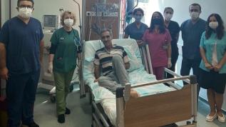 Kovid-19'u atlatan 52 yaşındaki hasta ikinci kez hayata tutundu