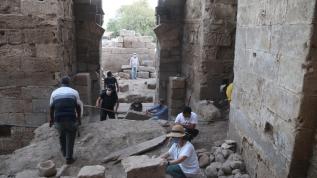 6 yıldır çalışmalar sürüyordu... 9 asırlık Harran Sarayı'nın ana kapısı gün yüzüne çıkarıldı