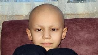 8 yaşındaki lösemi hastası Ahmet sağlığına kavuşacağı günün hayalini kuruyor