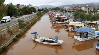 Yağmur sonrası Fethiye'de denizin rengi değişti