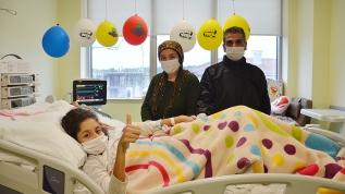 10 yaşındaki Melek koronavirüsü atlatarak ikinci hayatına 'merhaba' dedi
