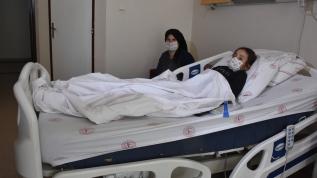 10 yaşındaki çocuğun böbreğinden 2 santimetrelik taş çıkartıldı
