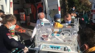 Yürekleri ağza getiren kaza! Kuvözdeki bebeği hastaneye nakleden ambulans kaza yaptı