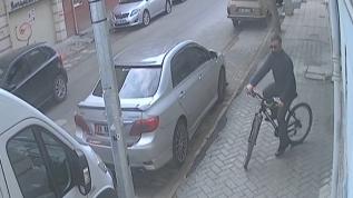 Tanınmamak için gözlük ve şapka takan hırsız yakalandı
