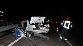 Ters yöne giren otomobil kamyon ile çarpıştı, bir kişi öldü