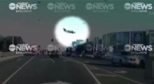 Avustralya Melbourne'de uçak düştü